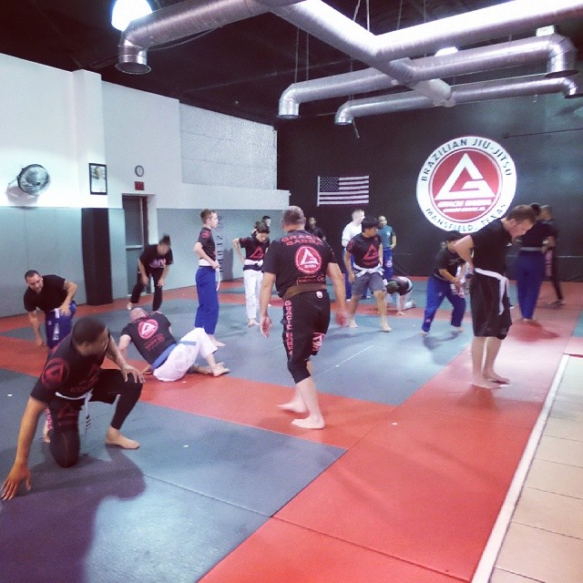 Great looking class tonight at #gbmansfieldtx  #graciebarra  #jiujitsuforeveryone